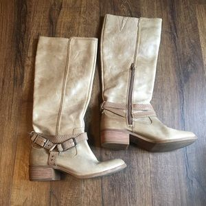 BOOTS 💵BUNDLE TO SAVE💵